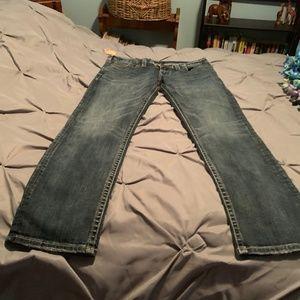 SILVER JEANS Men's NWT KONRAD Jeans. Size 34x32